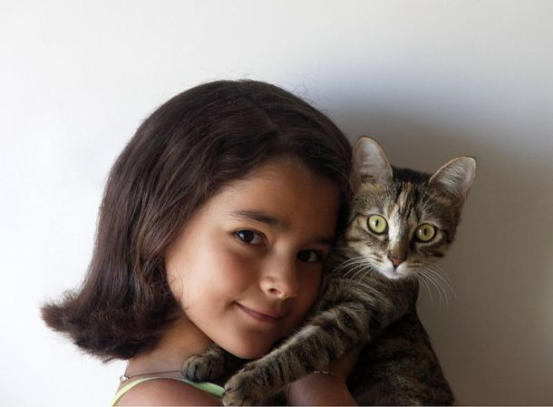 girl-and-cat